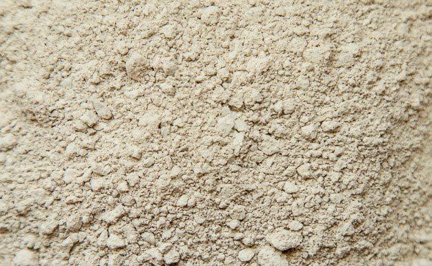 Czym rożni się puder mineralny od zwykłego?
