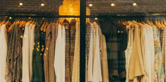 Modnie i w paryskim stylu? Sprawdź jak skomponować garderobę