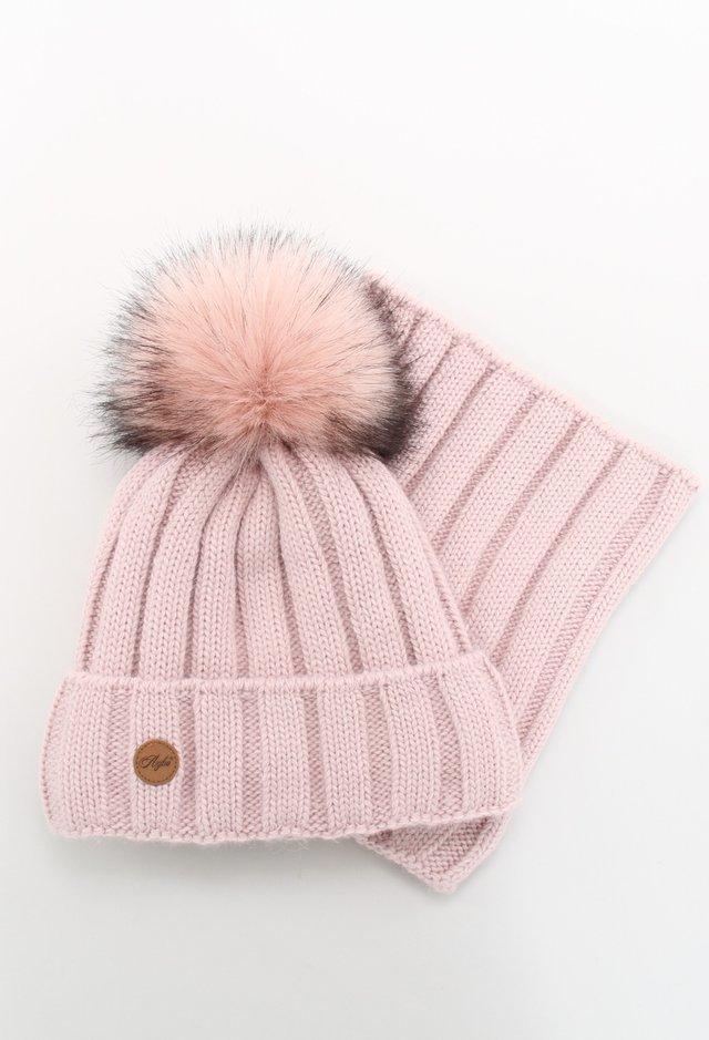 komplety czapka i szalik damskie